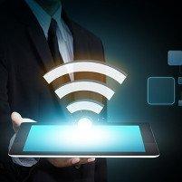 Sonderdruck thematisiert WLAN, WiFi, NFC und LTE (Bild: © Warakorn - Fotolia.com)