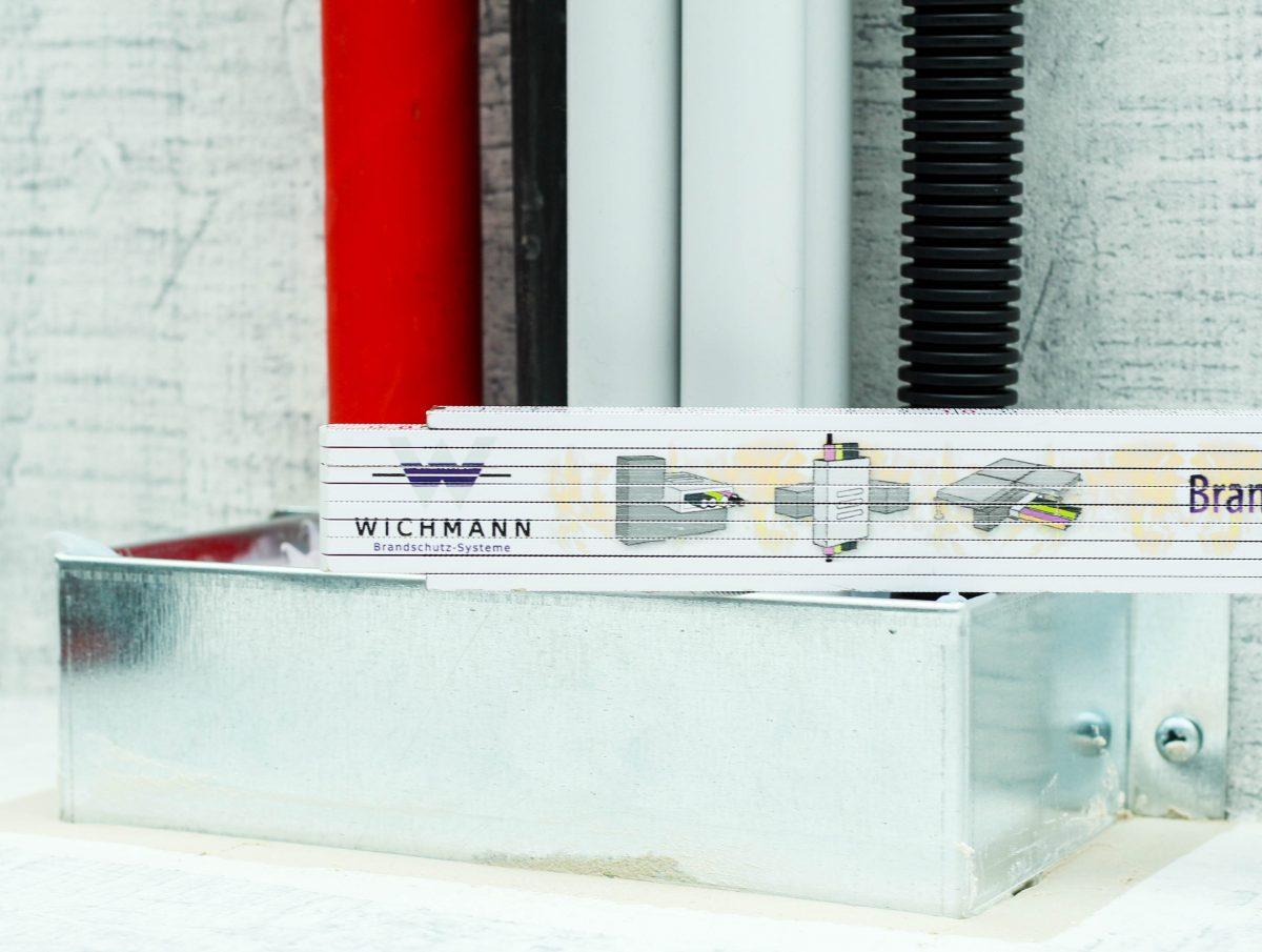 BrandschutzFeuersichere Kabelbox passt direkt unter Systemböden