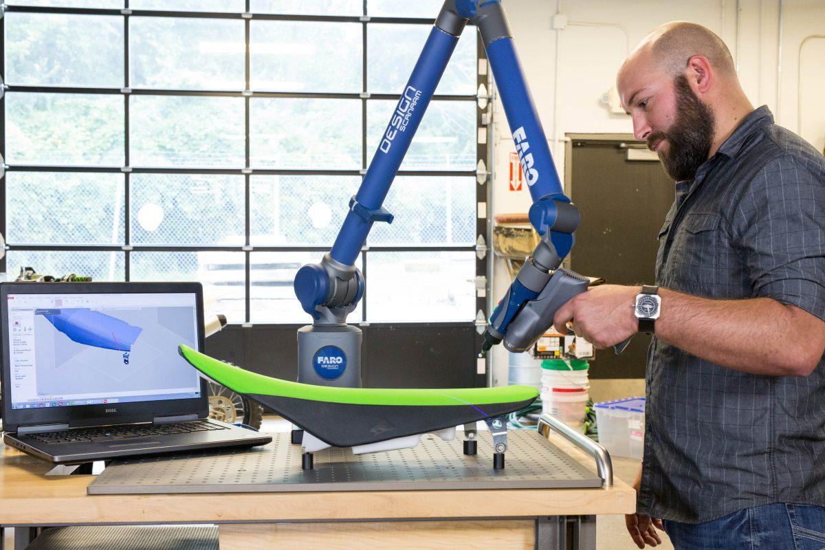 Design ScanArm 2.0Blauer Laser ergibt genauere 3D-Scans