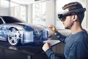 Porsche-Designer arbeiten in halbvirtuellen HoloLens-Werkstätten