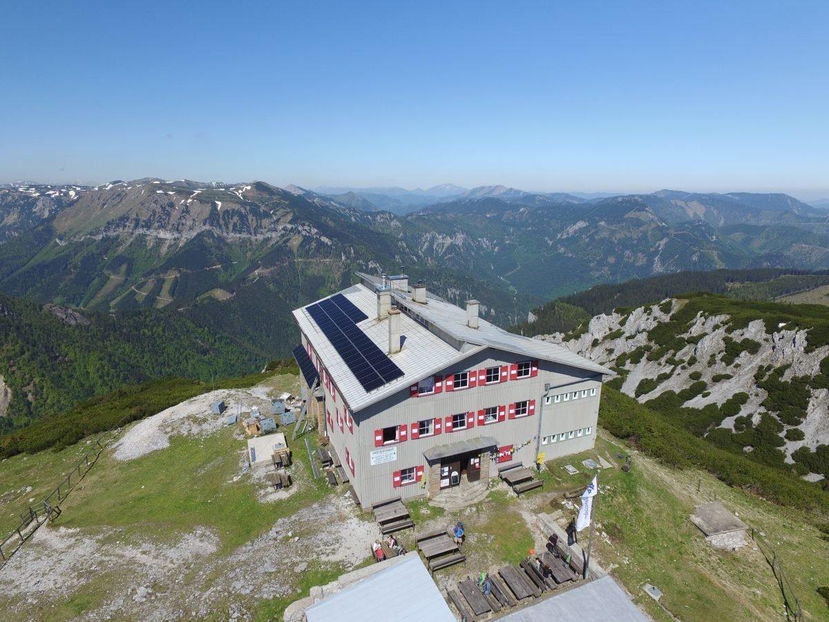 SonnenenergieSharp bringt ein neues Modul für den HKW Solar Tower