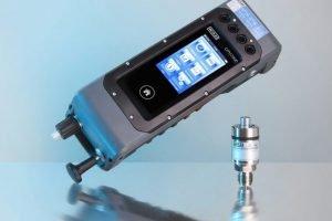 Multifunktionsgerät kalibriert im Feld bis 10.000 bar