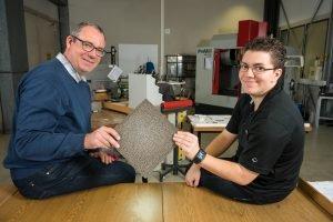 Nanobeschichtete Metallschäume bekommen neue Leichtbau-Eigenschaften