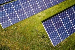 THEE und CEE Group planen Solarprojekte ohne Förderung