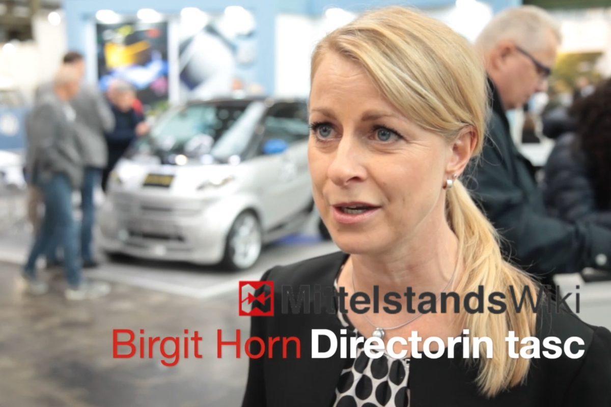 Autoglas und Smart RepairIn Düsseldorf lernen Kfz-Profis neue Reparaturtricks