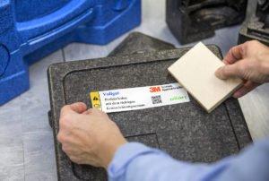 Die AutoID-Kette beginnt mit einem Aufkleber