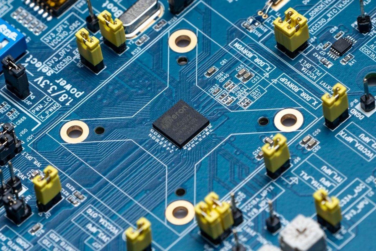 Wer Prozessoren für neuronale Netze erfindet
